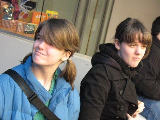 Super Mastro girls outside the Guggenheim Museum