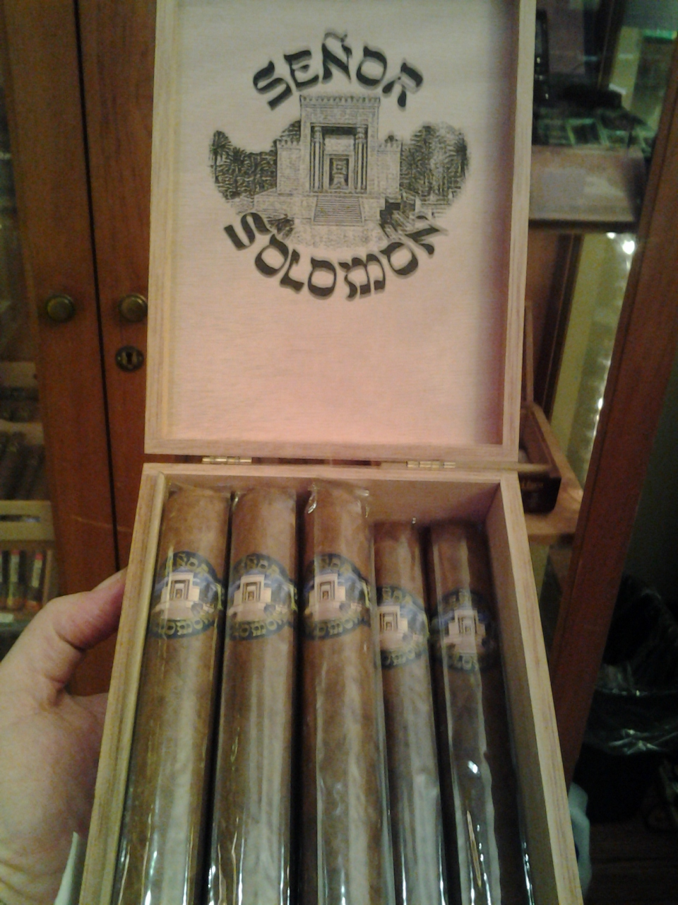 Shlomo and Israel's fave Kosher cigar